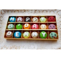 Baby Macaroon (Macaron) Gift Kotak isi 18 Free Huruf Kue Kering Murah