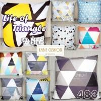 EMBIE CUSHION - Sarung Bantal Sofa / Cushion, 40x40 cm, Triangle Life