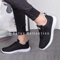 Sepatu Sneakers Wanita Hitam MK01