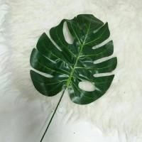 pusat daun monstera deliciosa - daun sintetis - daun artificial