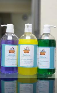 shampoo Anjing dan Kucing Jasmine 1 Liter