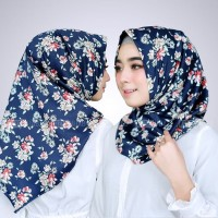 Jilbab Instan Satin Velvet Twist Salwa Diani Motif Bunga Cantik