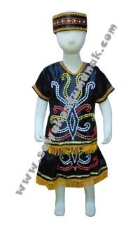 Pakaian adat dayak perempuan - SD