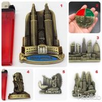 Souvenir Magnet Tempelan Kulkas Asia Dubai Malaysia Petronas Singapore