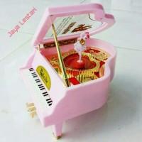kotak musik piano kado ulang tahun