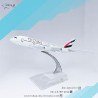 Miniatur Pesawat Emirates A380