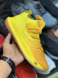 Basket Under Armour Curry 2 Professional .