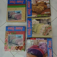 JOSS ONE Sprei Poly ukuran 160 x 200 Bantal 2 Guling 2 Bed Set Baru