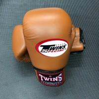 Sarung Tinju Twins Glove Brown 12 Oz