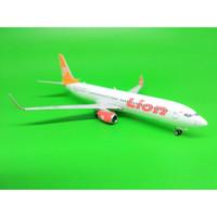 Diecast pesawat Lion Air B 737 900ER livery 70th Boeing Next Gen