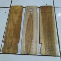 Parutan kelapa kayu