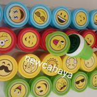 stempel motif huruf angka dan emoji