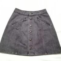 rok mini jeans Pull & Bear Denim button up mini skirt