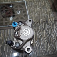 Kaliper Cakram Brembo 2P Grey