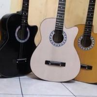 Gitar akustik bonus senar cadangan dan pik