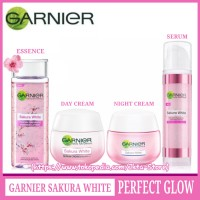 PAKET GARNIER SAKURA WHITE SET - (Paket Perfect Glow Set 4pcs)