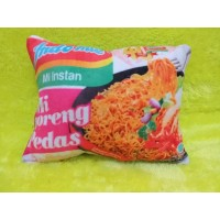 Bantal snack Indomie Goreng Pedas uk 30x40 cm full dacron