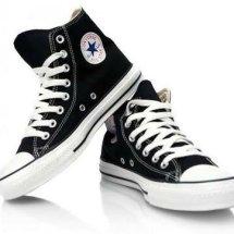 TokoSneakers