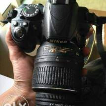Kamera Nikon D3100 ize