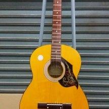 Gitar akustik Samarinda