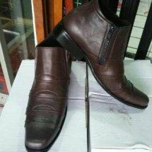 Gerai Sepatu Kulit