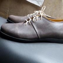 Sepatu Hari