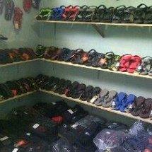 toko sandal gunung