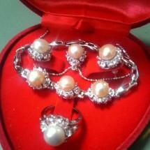 Lombok Pearls