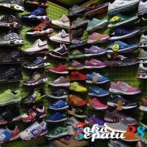 Toko Sepatu 28