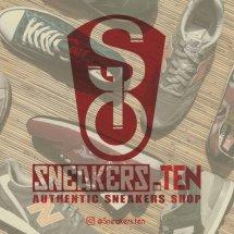 Logo Sneakers.Ten