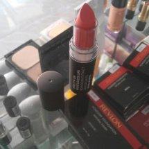 Warna kosmetik