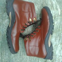 Sepatu kulit MeGalauman