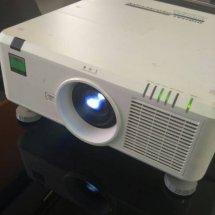pusat service projector