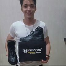 Ziverseven Footwear