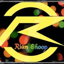 Rian shooping