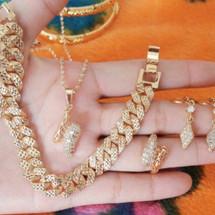 accessories.fashion8