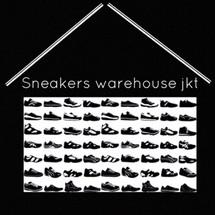 Logo Sneakers warehouse Jkt