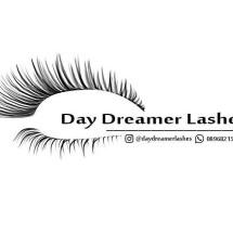 Logo Daydreamer Lashes