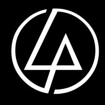 larismaniskok Logo