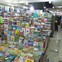 Logo yogiparisna book store