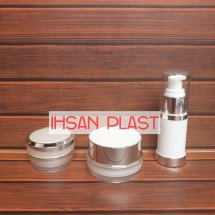 Logo IHSAN PLAST