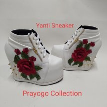 Yanti Sneaker Shoes