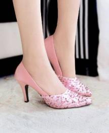 bilik sepatu wanita