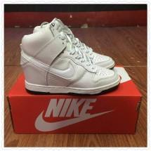 queen sneakers