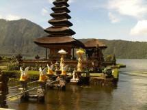 Kain Bali GiRa