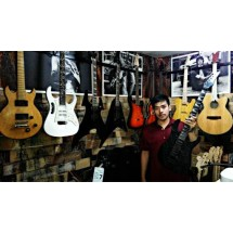 Bless Guitar Shop