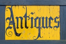 antiQues shop