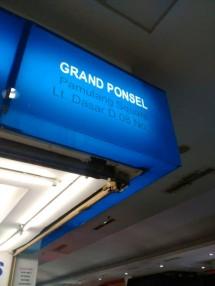 Grand Ponsel