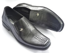 sepatu kulit mu