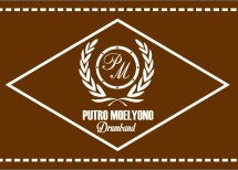 Putro Moelyono Drum Band